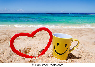 Happy face mug on the beach - Happy face mug with heart...