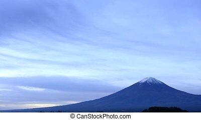Flowing cloud and mountain - Flowing cloud and Mount Fuji in...