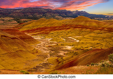 Painted Hills National Monument - Beautiful Image of Painted...