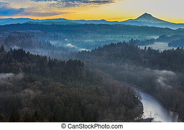 Mount Hood from Jonsrud viewpoint - Beautiful Panorama of...
