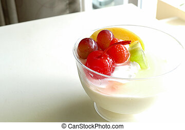 vanilla pudding mousse topping with fruit - vanilla pudding...