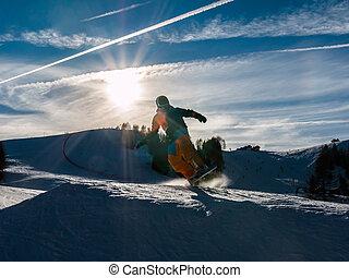 Estilo libre, snowboarder, con, casco, en, snowpark,