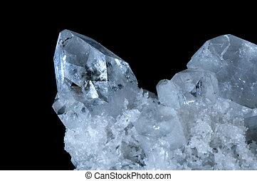 apophyllite cristal stone