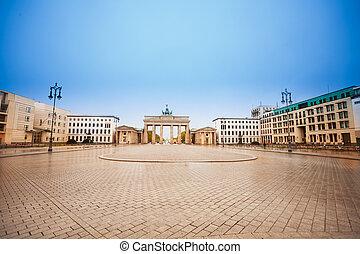 Pariser Platz and Brandenburger Tor during daytime in Berlin