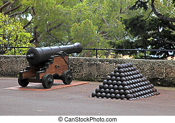 Cannon and cannon balls near Royal Palace in Monaco - Cannon...