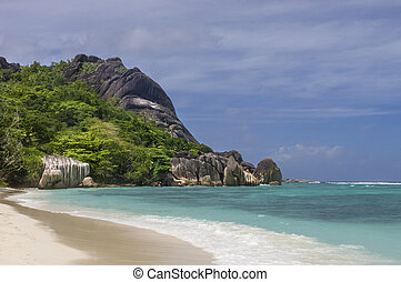 Deserted tropical beach - Anse Source dArgent, one of famous...