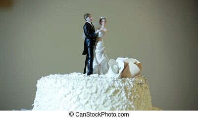 Wedding Cake - A beautiful wedding cake with two dolls