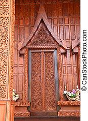 Thai pattern of the door