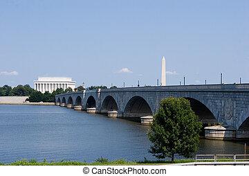 Washington DC - The Lincoln Memorial, Memorial Bridge and...