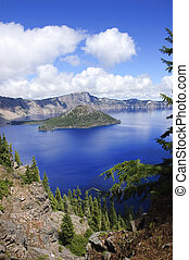 Crater Lake, Oregon - Veiw of Wizard Island in Crater lake,...