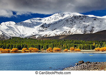 Lake Tekapo, New Zealand - Mountain landscape, Lake Tekapo,...
