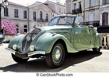 302 manufactured from 1936 to 1938 photographed the rally of...