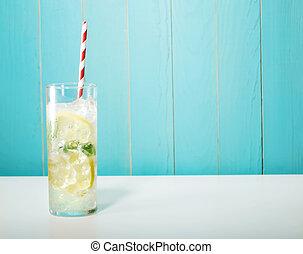 helado, limonada, con, grande, rojo, rayado, pajas,