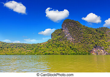 The islands in shallow water - The islands - rocks in...