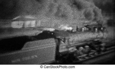 CHICAGO - 1942: A coal burning train - Unique vintage 8mm...