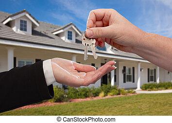 entregar, encima, casa, llaves, frente, nuevo, hogar