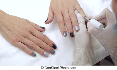 Master gets a new paint gray fingers on different - Video...