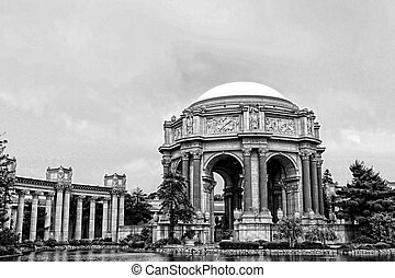 Exploratorium in black and white - Exploratorium San...