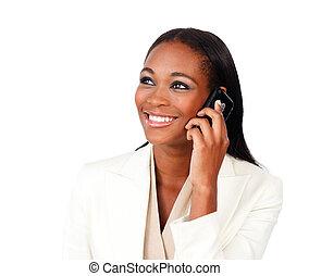 Radiante, afroamericano, mujer de negocios, teléfono