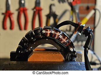 Repairing an alternator - Alternator is fixed with copper...
