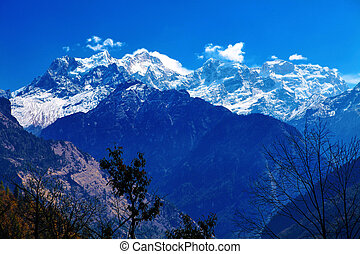 Snow capped mountains Himalaya, Nepal Trek around Annapurna...