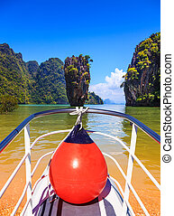 Boat trip with a red lantern - The holiday in Thailand Bay...