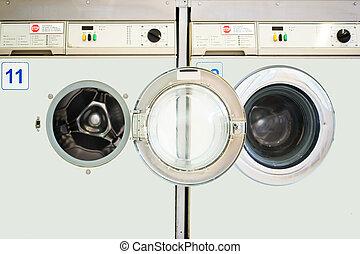 Washing machine - Two juxtaposed washing machines in a...