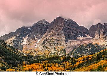Autumn at Maroon Bells - the maroon bells aspen colorado...