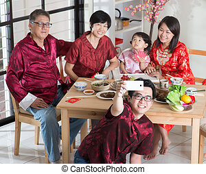 Asian Chinese family selfie