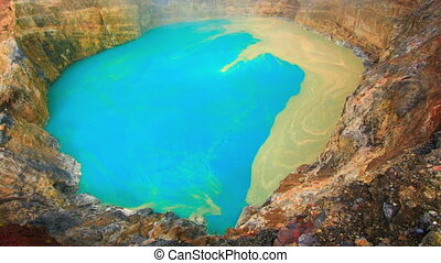Kelimutu timelapse - Volcanic lake of Young Men and Maidens...