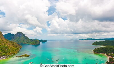 El Nido lagoon at day time. Timelapse
