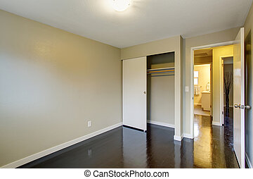 Simple unfurnished room with hardwood floor. - Simple...