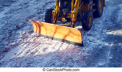 Cleaning the frosty road, picture of a machine