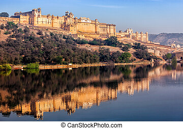 Amer Amber fort, Rajasthan, India - Famous Rajasthan indian...