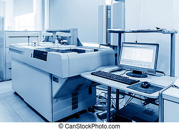 Biochemical analyzer - Hospital laboratories, automatic...