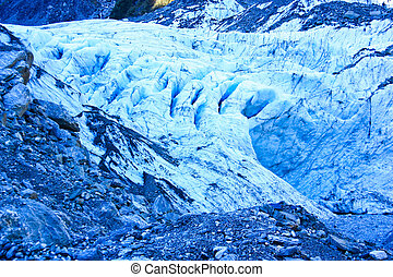 Fox glacier on New Zealand. - Fox glacier on New Zealand's...