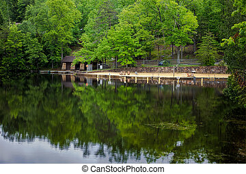 Southern Mountain Lake - Beach and boat docks in Pickett...