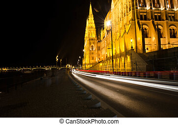 Budapest Cityscape at night with the Hungarian Parliament...