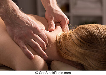 Tension and pain mitigation - Back massage that reduces...