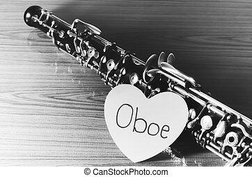 雙簧管, 上, 木頭, 背景, 黑色, 以及, 白色,...