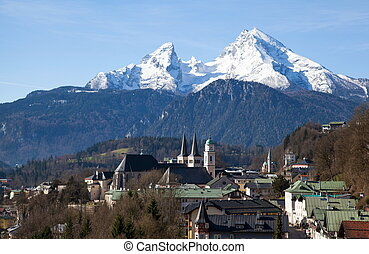 View over Berchtesgaden with the Watzmann Group in...