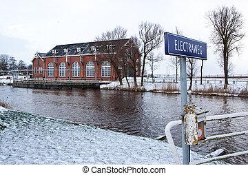 Water pumping industrial building