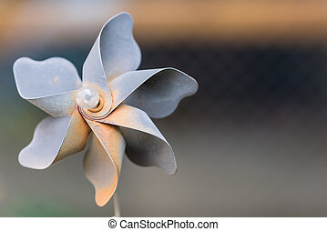 Rusty Metal Garden Pinwheel - A decorative pinwheel garden...