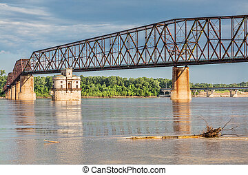 Mississippi RIver bridged - The Old Chain of Rocks bridge...