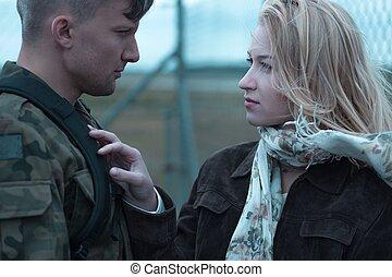 joven, belleza, mujer, y, soldado,