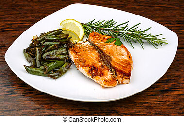 Grilled salmon with green beans