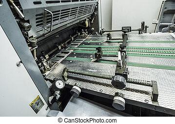 Offset Printing Machine - modern sheetfed offset printing...
