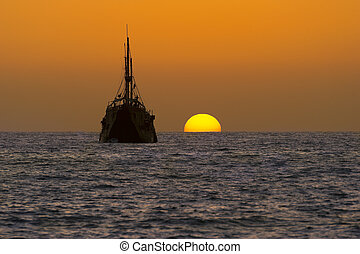 Ship Silhouette Old Wooden - Wooden ship silhouette is an...