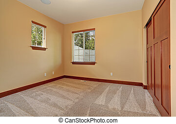 Unfurnished room with beige interior paint - Medium sized...