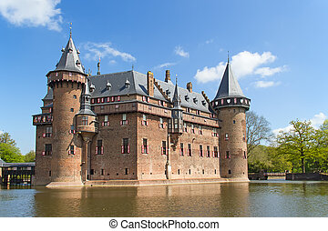De Haar castle - Ancient De Haar castle near Utrecht,...